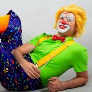 Клоун-дирижер. Музыка и танцы